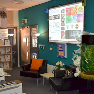 Simple digital signage for schools