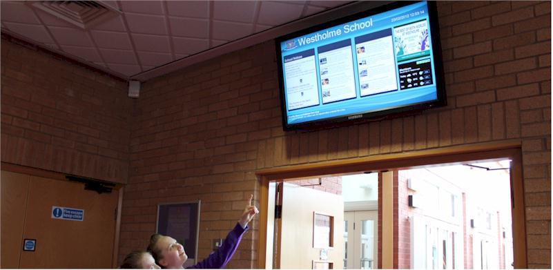 Digital signage solutions for schools